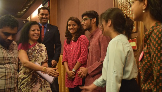 mrs-lakshmi-puri-meeting-youth-leaders-in-delhi